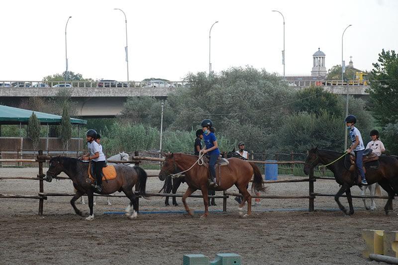 15-roma-river-ranch-home-scuola